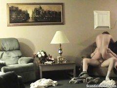Скрытая камера сняла очередной домашний секс блудливой жены и озабоченного соседа