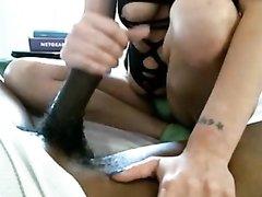 Межрассовое любительское порно упитанной француженки и резвого негра