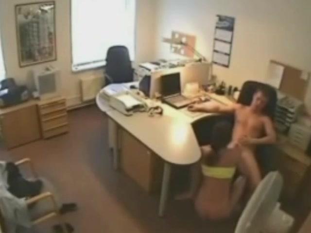 Секс скрытая камера офис