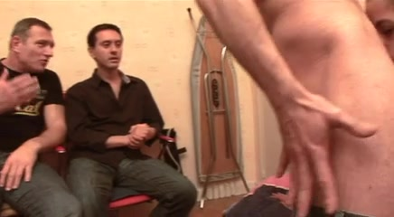 Секс видео женщина поддалась уговорам на секс фото 590-524