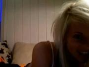 Домашняя онлайн мастурбация клитора от красивой блондинки по вебкамере для поклонника