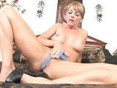 cheshskaya-porno-aktrisa-adriana-malkova-smotret-onlayn