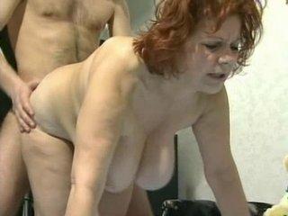 Порно с зрелой грудастой — photo 14