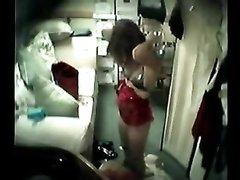 Смотреть по скрытой камере на даму в нижнем белье приятно и нереально возбуждает