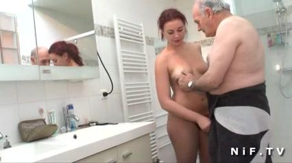 porno-russkoe-rizhey-kuryashey-ochen-deshevie-prostitutki-v-sochi-s-telefonami
