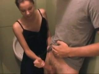 onlayn-video-russkaya-nezhno-drochit-huy-porno-sperma-bez-granits