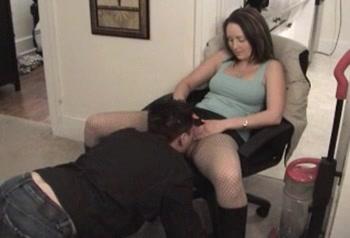Порно лижет колготки