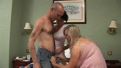 Порно волосатые вытекает