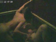Домашний секс пары подглядывает одинокий сосед и снимает интим на камеру