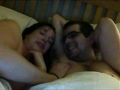 Секс с мужем перед сном жестко трахают
