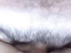 Зрелая пышка в анальном порно от первого лица оседлала член парня с камерой
