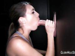 Длинноногая леди в любительском видео сосёт член из стены и глотает сперму