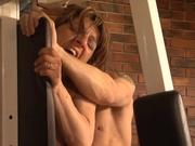 Для зрелой француженки домашнее порно с молодым мачо стало волшебным удовольствием