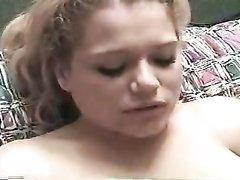 Любительский анальный секс с грудастой блондинкой с окончанием в рот красотке