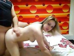 Полный ловелас для съёмки домашнего порно вызвал вертлявую проститутку