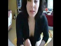 Минет в домашнем порно от первого лица виртуозно исполнила зрелая брюнетка