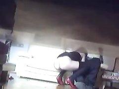 Скрытая камера снимает сцену домашнего секса, являющегося супружеской изменой