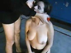 Домашнее порно с БДСМ и минет проделанный через интимное приспособление