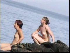 Любительское видео с нудистского пляжа, где полно голых и аппетитных красоток