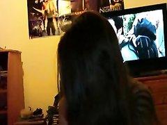 Чувствительная леди стонет на съёмке домашнего порно из-за реального кайфа