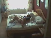 Дама попалась на скрытую камеру, записавшую видео с отчаянной мастурбацией