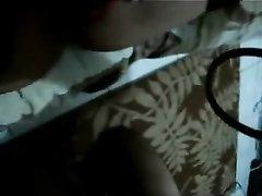 Зрелая латинка с волосатой киской делает домашний минет в видео от первого лица