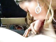 Жёсткая мастурбация члена в презервативе и минет в любительском видео