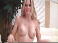 С молодой блондинкой любительское порно завершилось окончанием внутрь