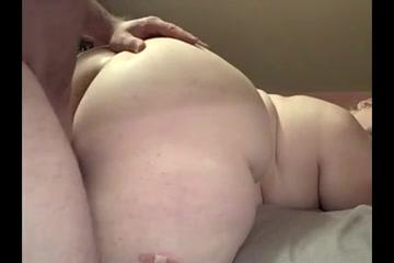 Наконец толстуха встретила достойного партнёра для домашнего секса на карачках