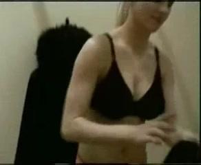 Минет от грудастой блондинки в нижнем белье в домашнем порно был идеальным