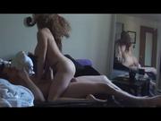 Скрытая камера запечатлела домашний секс молодой и ненасытной парочки