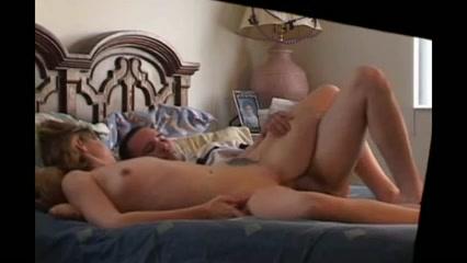Жена занимается сексом с соседом пока мужа нет дома фото 34-267