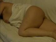 Подглядывание в домашнем видео за интимом упитанной зрелой развратницы