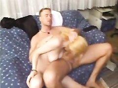 Свингеры встретились для анального любительского порно в групповом варианте