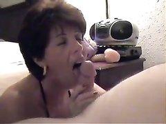 Сумасшедший минет от зрелой любовницы в жгучем порно снятом от первого лица