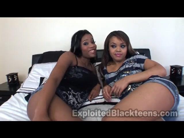 Две фигурные негритянки в любительском видео дружно ублажают один чёрный член