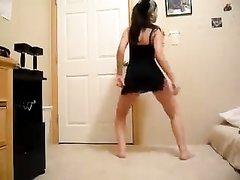Лучший стриптиз от любительницы танцевать с раздеванием на видео в HD качестве