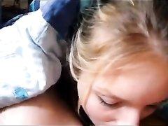Замечательное домашнее порно от первого лица с фантастическим минетом от блондинки