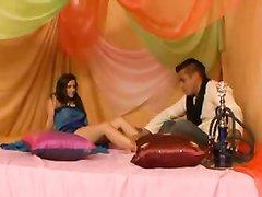 Изящная проститутка в любительском порно трахается с загорелым спортсменом