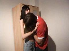 Вертлявая немка в жарком видео трахается у себя дома с озабоченным соседом