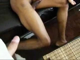 Худая блондинка стала поклонницей межрассового секса и раздвинула ноги