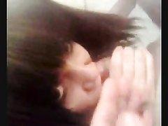 Видео с любительским минетом от красивой и нежной девушки с красивой причёской