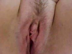 Толстая домохозяйка для мастурбации крупным планом использует секс игрушку
