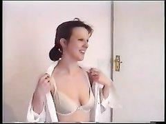 Только анальный секс может удовлетворить зрелую британскую домохозяйку