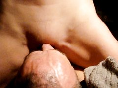 Домашнее видео с женским доминированием от дамы севшей киской на язычок