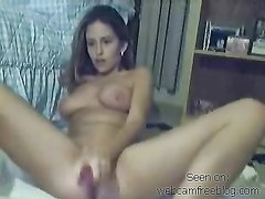 Любительская мастурбация в порно загорелой красоткой с большим фаллосом