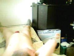 Групповое видео с нежной и похотливой домохозяйкой и двумя поклонниками