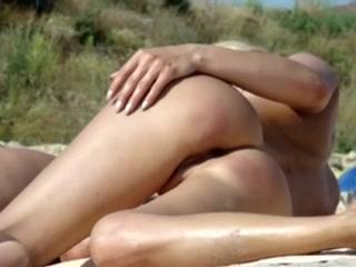 lyubitelskaya-semka-video-seks-na-plyazhe-zhestkiy-seks-porno-porno