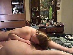 Зрелая любовница в порно отсасывает член в разных позах со всех направлений