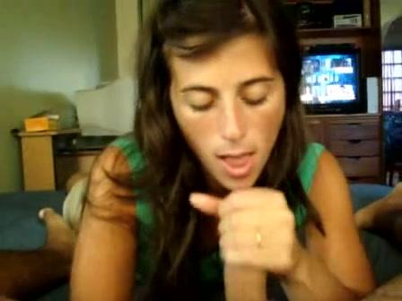 Видео с любительским минетом снято от первого лица озабоченным клиентом